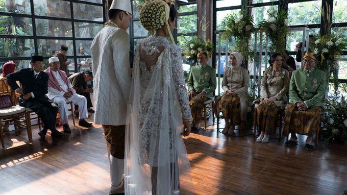 Satrio & Putri Wedding by SVARNA by IKAT Indonesia Didiet Maulana - 016