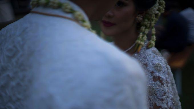 Satrio & Putri Wedding by SVARNA by IKAT Indonesia Didiet Maulana - 019