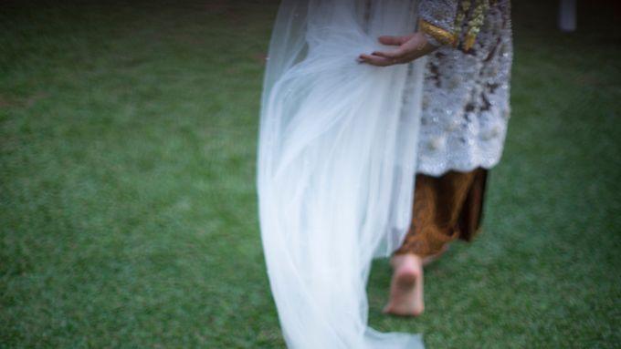 Satrio & Putri Wedding by SVARNA by IKAT Indonesia Didiet Maulana - 011