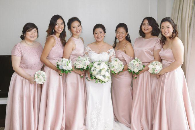 Entourage Gowns by Merri Chan design | Bridestory.com