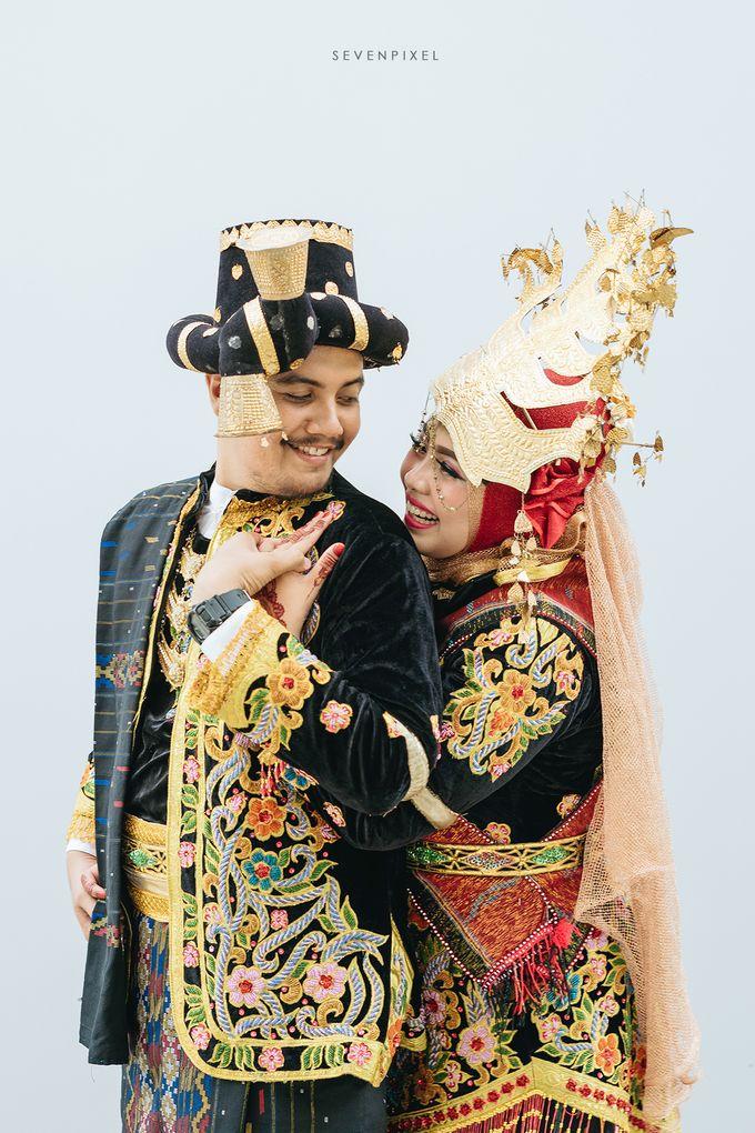 Tari & Hanafi by S E V E N P I X E L   PHOTOGRAPHY   AND   ARTWORK - 001