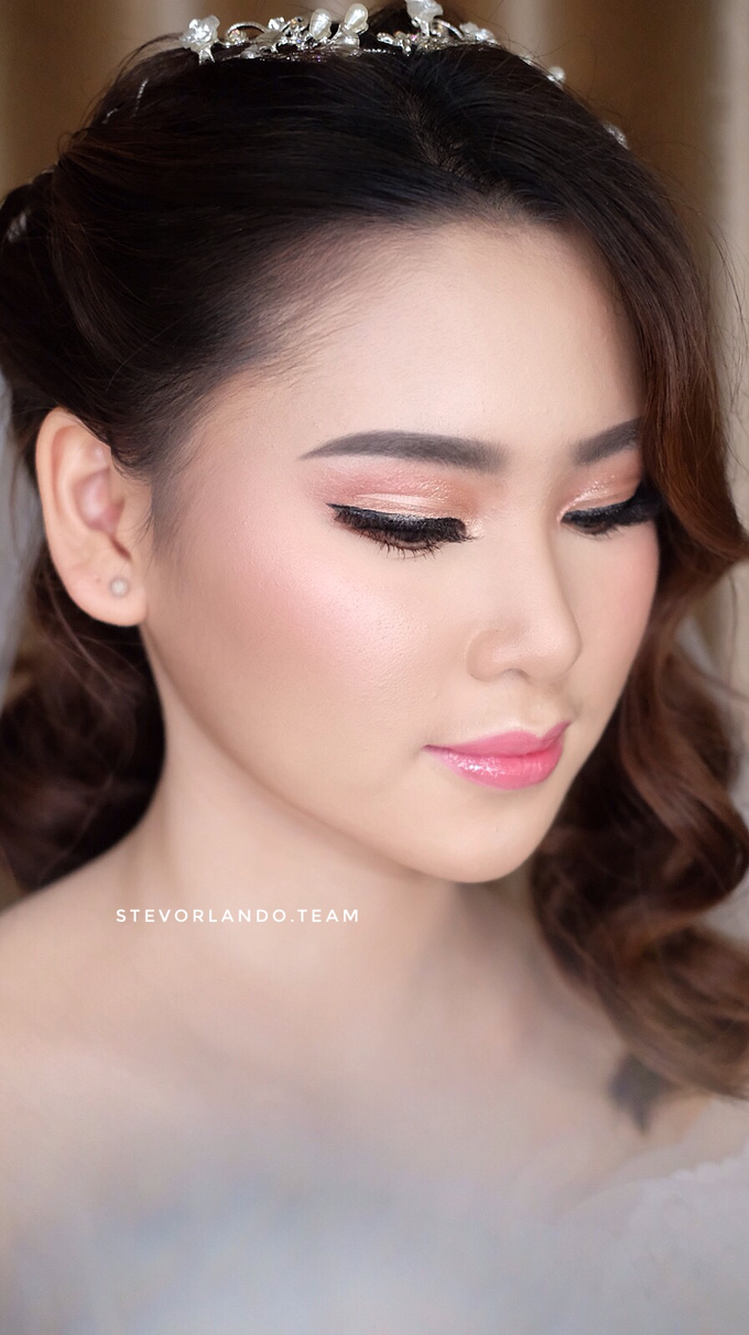 Soft Glow Wedding Makeup Looks by Stevanie Orlando by StevOrlando.makeup - 003