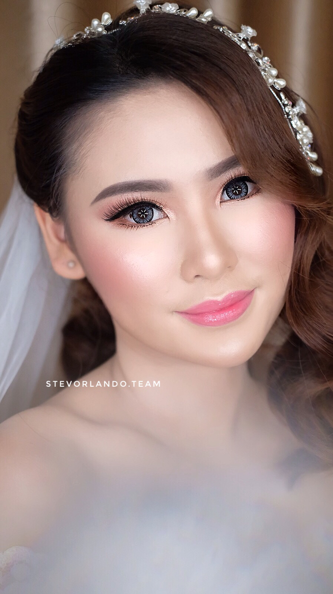 Soft Glow Wedding Makeup Looks by Stevanie Orlando by