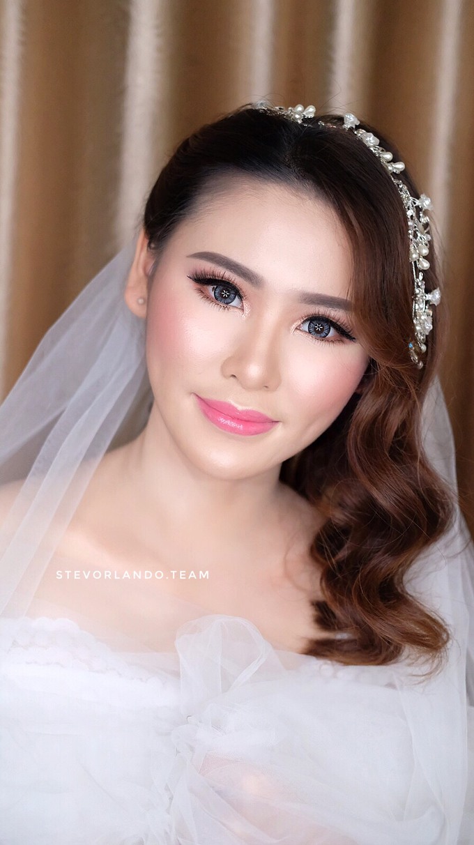 Soft Glow Wedding Makeup Looks by Stevanie Orlando by StevOrlando.makeup - 004