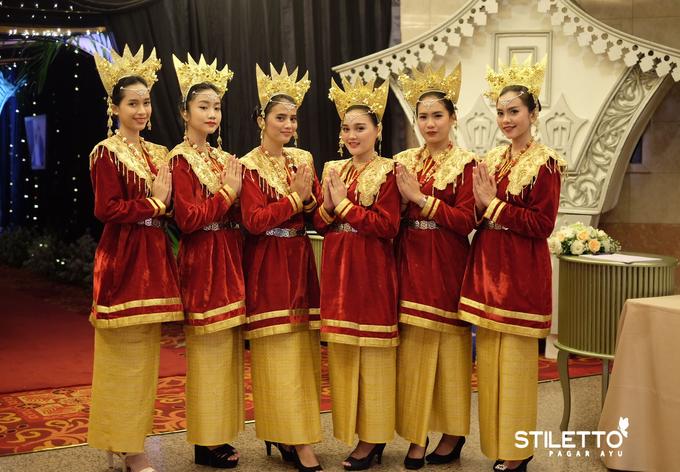 Traditional wedding / wedding adat part II by STILETTO PAGAR AYU - 019