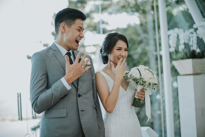 Lily & Jonathan at Tirtha Uluwatu by ENST Couture - 020
