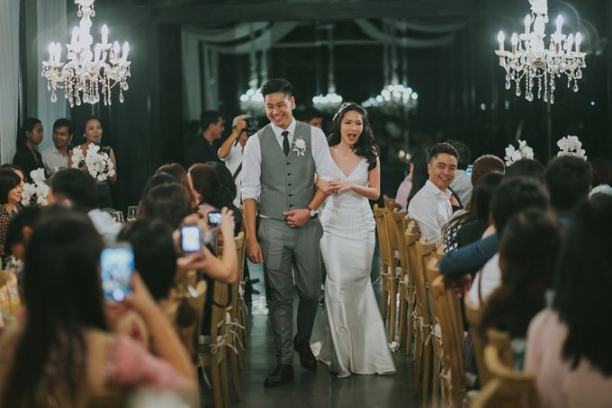 Lily & Jonathan at Tirtha Uluwatu by ENST Couture - 032
