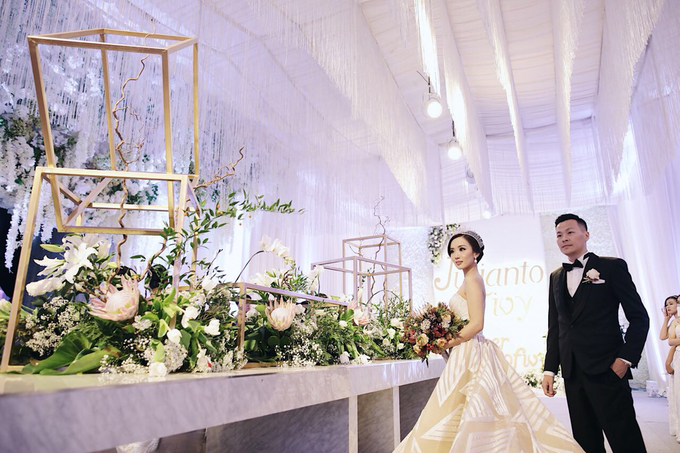Julianto & Fivy Wedding by Wong Hang Distinguished Tailor - 007
