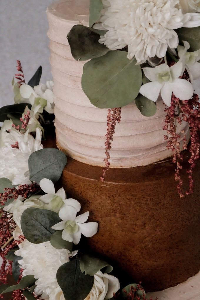 The Wedding of Poppy & Ogen by KAIA Cakes & Co. - 004