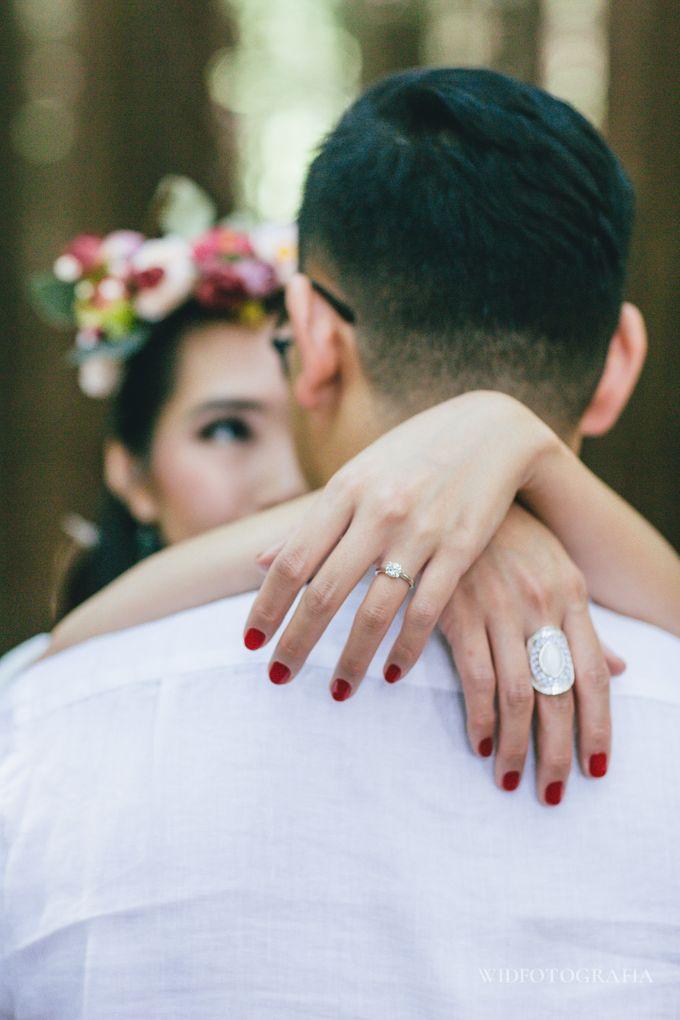 Prewedding of Sumi and Adrian by Widfotografia - 002
