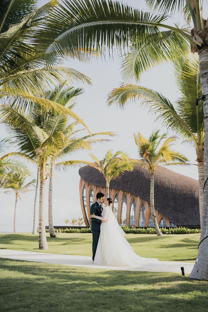 Sundoro and Rini Wedding by The Apurva Kempinski Bali - 008