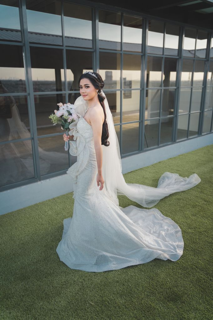Exclusive Bridal Wedding Package Luminor Sidoarjo by House Of Lea Bridal - 005