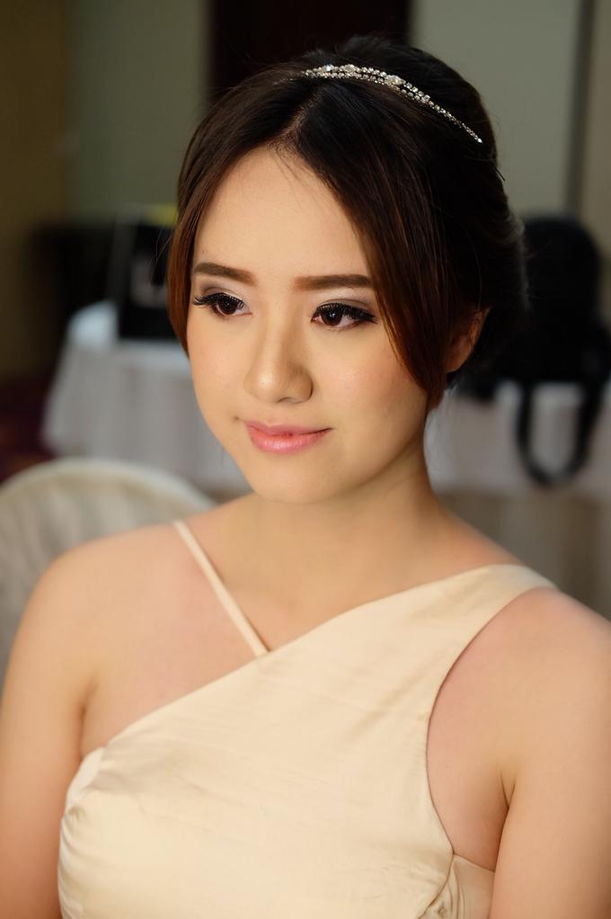 Bridesmaids Makeup  by The Ritz-Carlton Jakarta, Mega Kuningan - 001