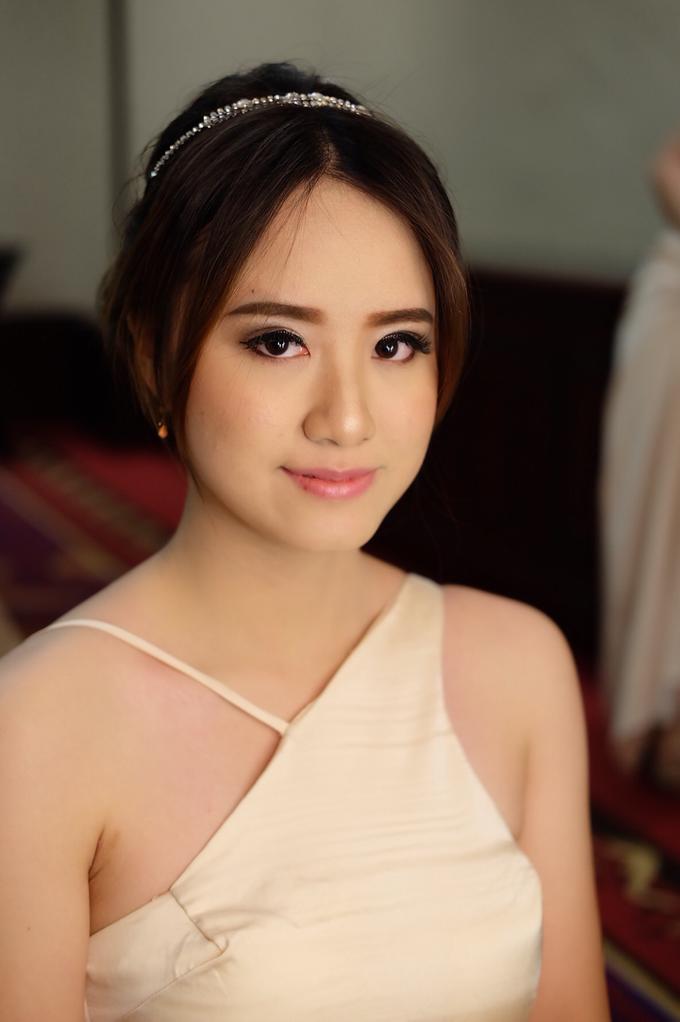 Bridesmaids Makeup  by The Ritz-Carlton Jakarta, Mega Kuningan - 003
