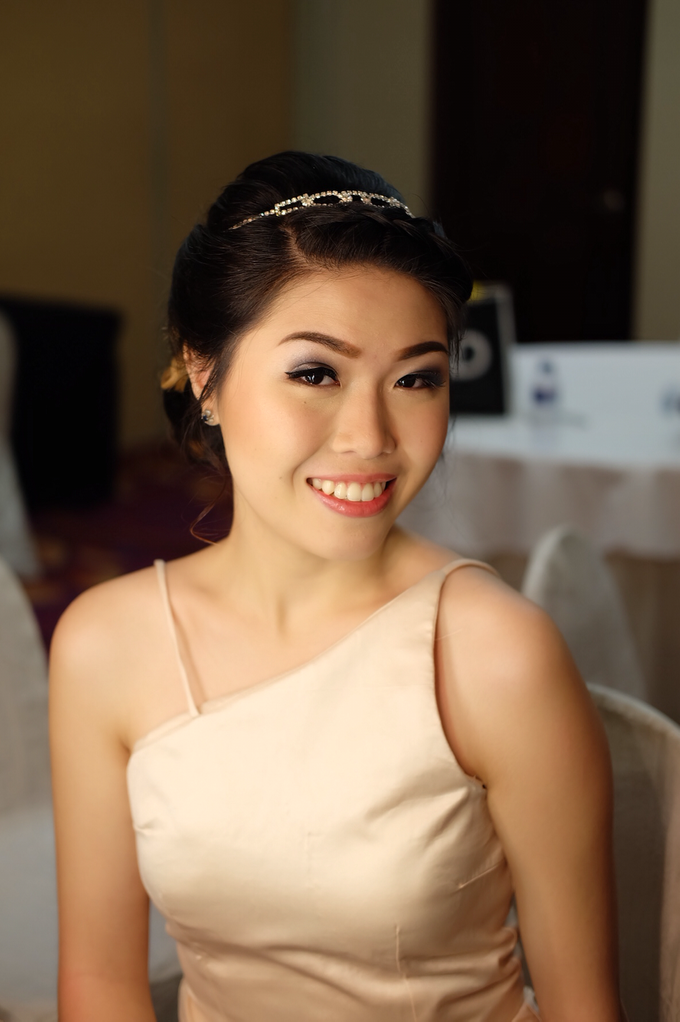 Bridesmaids Makeup  by The Ritz-Carlton Jakarta, Mega Kuningan - 006