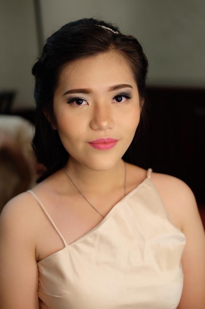 Bridesmaids Makeup  by The Ritz-Carlton Jakarta, Mega Kuningan - 008