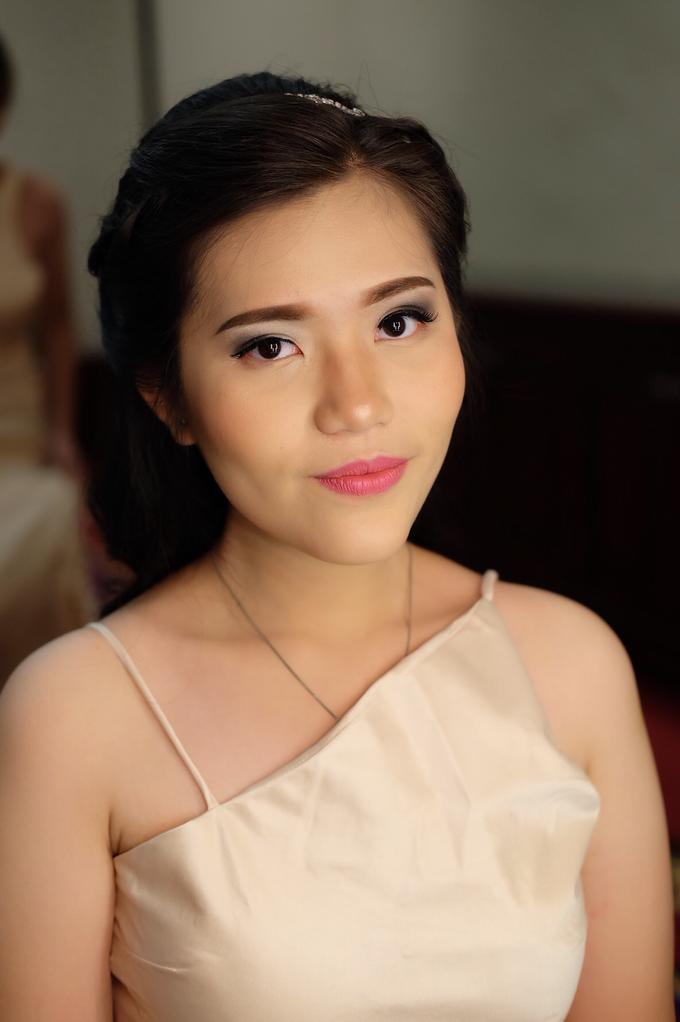 Bridesmaids Makeup  by The Ritz-Carlton Jakarta, Mega Kuningan - 009
