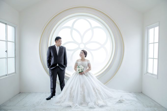 Prewedding Indoor Jakarta Suwandi & Jennifer by The Bridea - 001