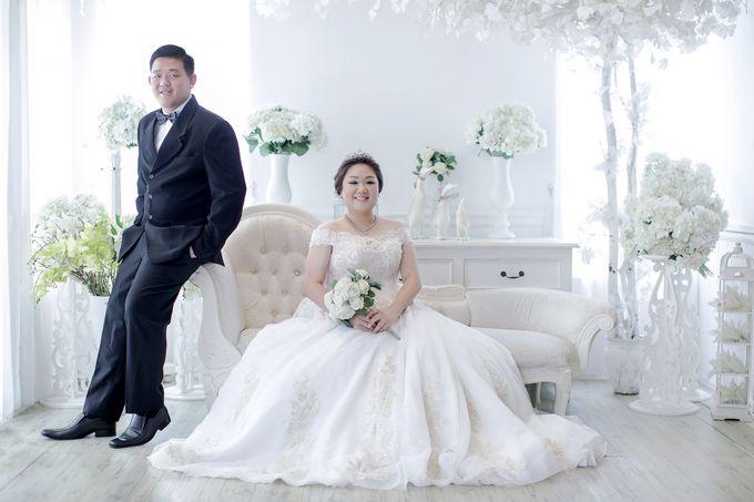 Prewedding Indoor Jakarta Suwandi & Jennifer by The Bridea - 003