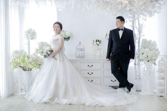Prewedding Indoor Jakarta Suwandi & Jennifer by The Bridea - 004