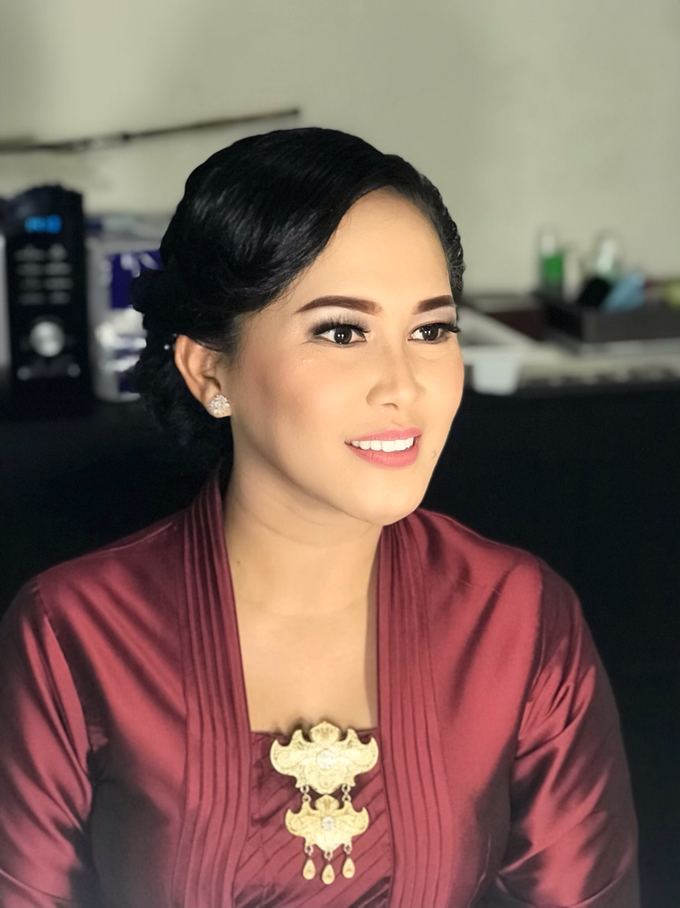 Makeup n hair do for Mrs Fitri by Sweetie bridal - 004