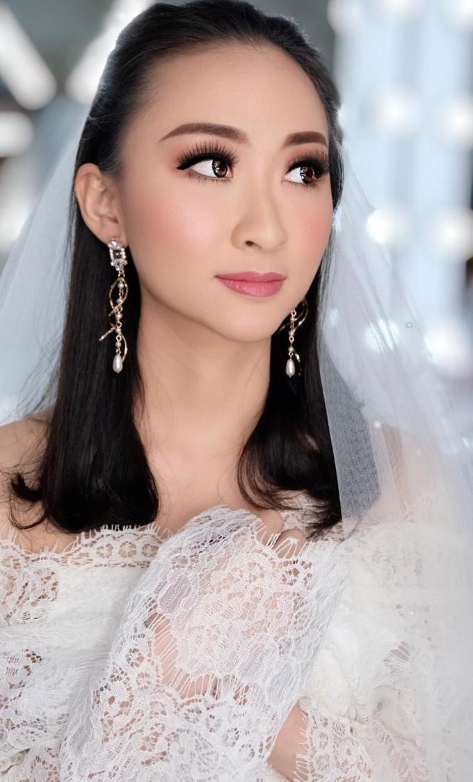 Makeup n hair do modern wedding  by Sweetie bridal - 001