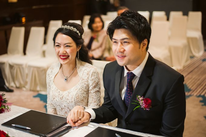 Wedding Day of Sylvie and Shun at The Westin Singapore Hotel Actual Day Photography by Caramel & Co. - 001