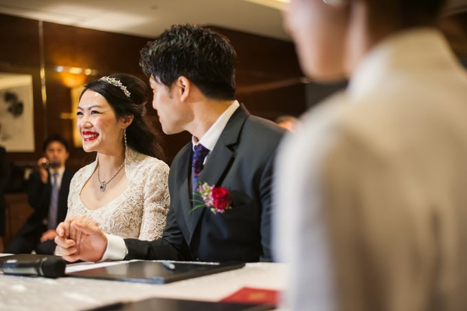 Wedding Day of Sylvie and Shun at The Westin Singapore Hotel Actual Day Photography by L'Excellence Diamond - 003