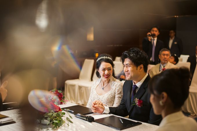 Wedding Day of Sylvie and Shun at The Westin Singapore Hotel Actual Day Photography by L'Excellence Diamond - 004