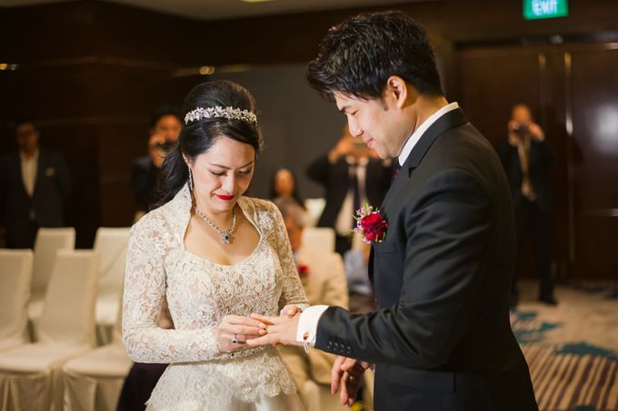 Wedding Day of Sylvie and Shun at The Westin Singapore Hotel Actual Day Photography by L'Excellence Diamond - 005