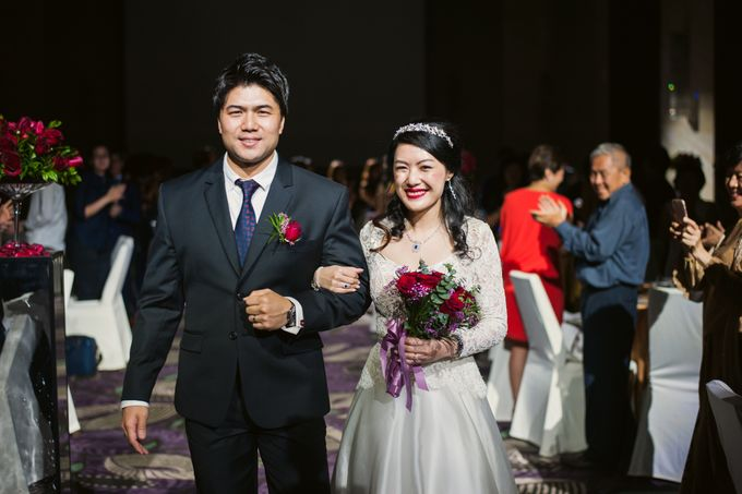 Wedding Day of Sylvie and Shun at The Westin Singapore Hotel Actual Day Photography by L'Excellence Diamond - 007
