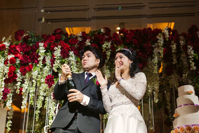 Wedding Day of Sylvie and Shun at The Westin Singapore Hotel Actual Day Photography by L'Excellence Diamond - 008