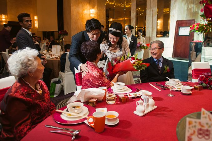Wedding Day of Sylvie and Shun at The Westin Singapore Hotel Actual Day Photography by L'Excellence Diamond - 009