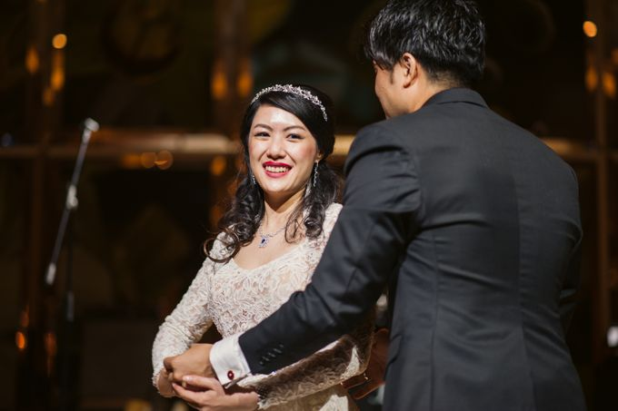 Wedding Day of Sylvie and Shun at The Westin Singapore Hotel Actual Day Photography by L'Excellence Diamond - 012