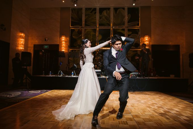 Wedding Day of Sylvie and Shun at The Westin Singapore Hotel Actual Day Photography by L'Excellence Diamond - 014