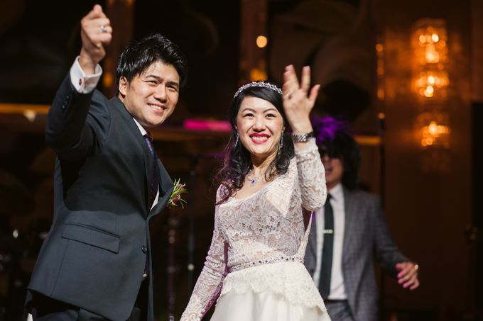 Wedding Day of Sylvie and Shun at The Westin Singapore Hotel Actual Day Photography by L'Excellence Diamond - 016