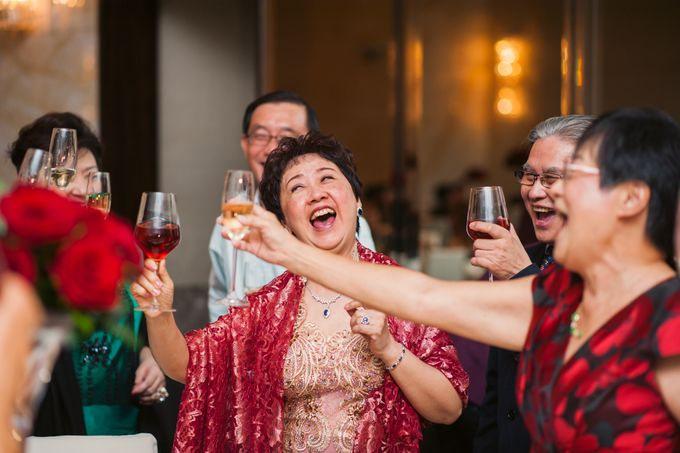 Wedding Day of Sylvie and Shun at The Westin Singapore Hotel Actual Day Photography by L'Excellence Diamond - 017