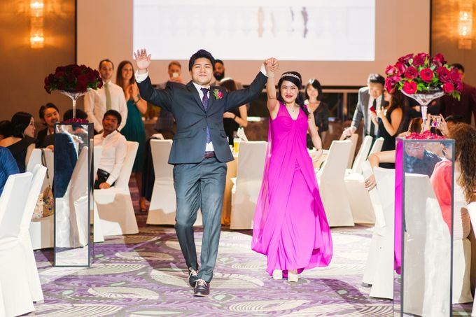 Wedding Day of Sylvie and Shun at The Westin Singapore Hotel Actual Day Photography by L'Excellence Diamond - 019