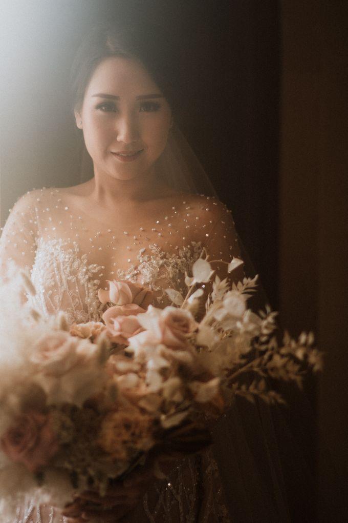 Catholic Wedding Ceremony of Tommy & Imelda by Vilia Wedding Planner - 016