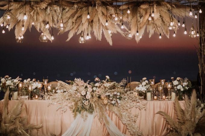 Cliffside Wedding Reception of Tommy & Imelda by Vilia Wedding Planner - 011