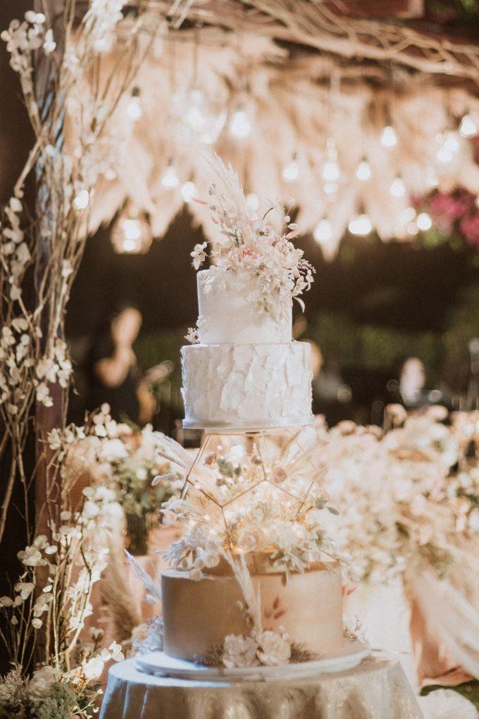 Cliffside Wedding Reception of Tommy & Imelda by LeNovelle Cake - 001