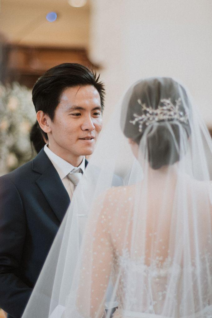 Catholic Wedding Ceremony of Tommy & Imelda by Vilia Wedding Planner - 006