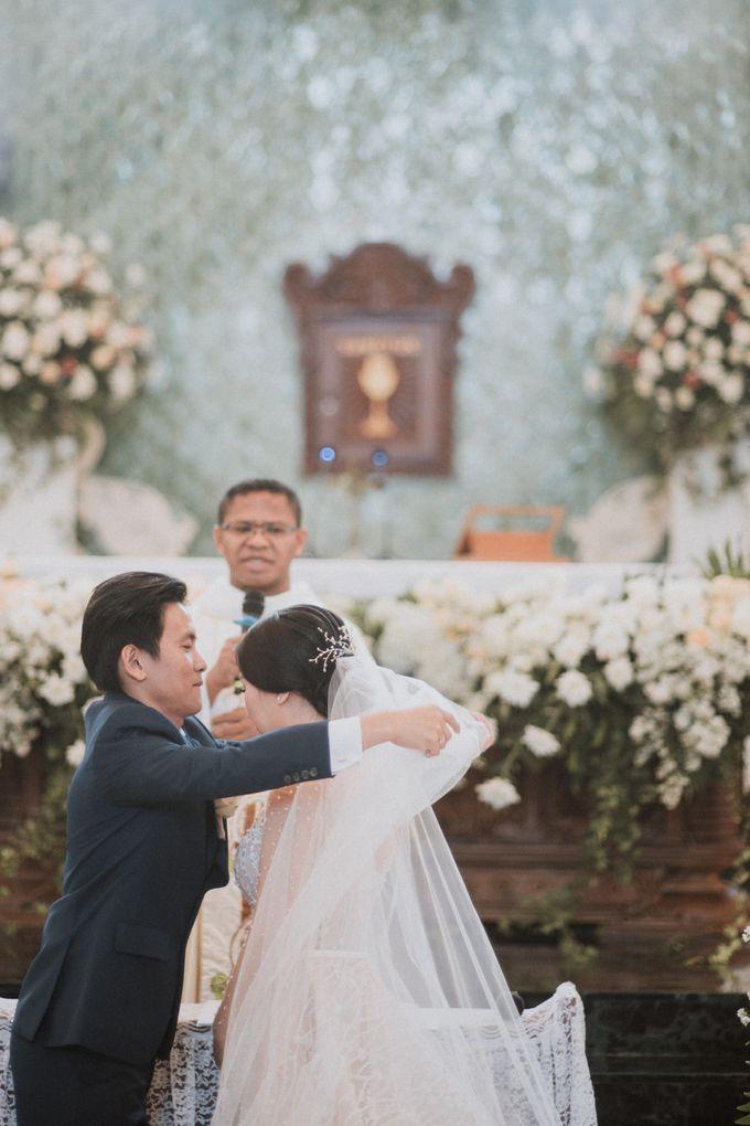 Catholic Wedding Ceremony of Tommy & Imelda by Vilia Wedding Planner - 008