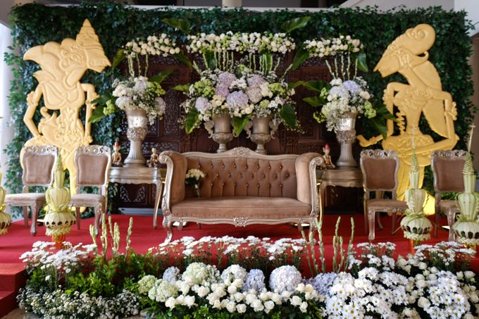 100820 | Wedding | Willy & Tia Singhasari Batu by taleofamor - 006