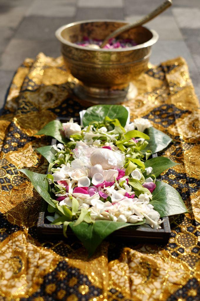 100820 | Wedding | Willy & Tia Singhasari Batu by taleofamor - 027