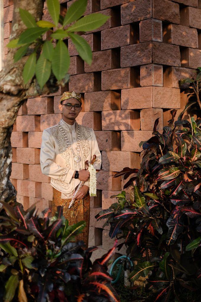 100820 | Wedding | Willy & Tia Singhasari Batu by taleofamor - 009