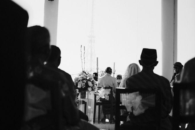 100820 | Wedding | Willy & Tia Singhasari Batu by taleofamor - 022
