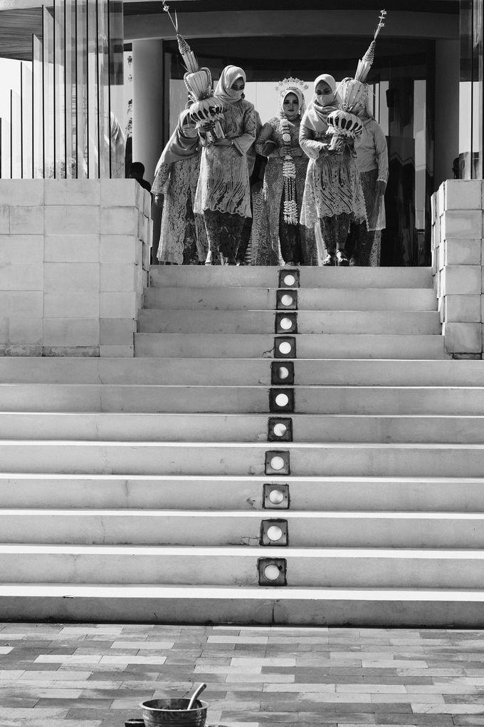 100820 | Wedding | Willy & Tia Singhasari Batu by taleofamor - 028