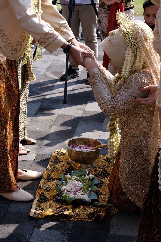 100820 | Wedding | Willy & Tia Singhasari Batu by taleofamor - 033