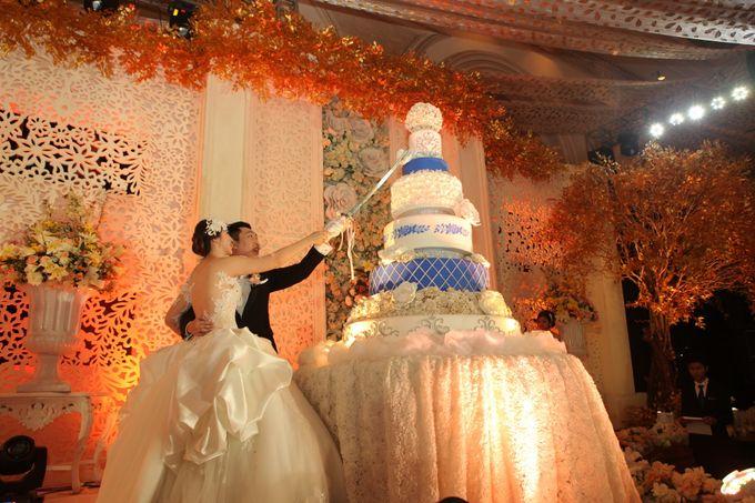 Autumn Theme Wedding Boy & Elisia at Empire 10th Floor  Surabaya by Diorama Tailor - 013